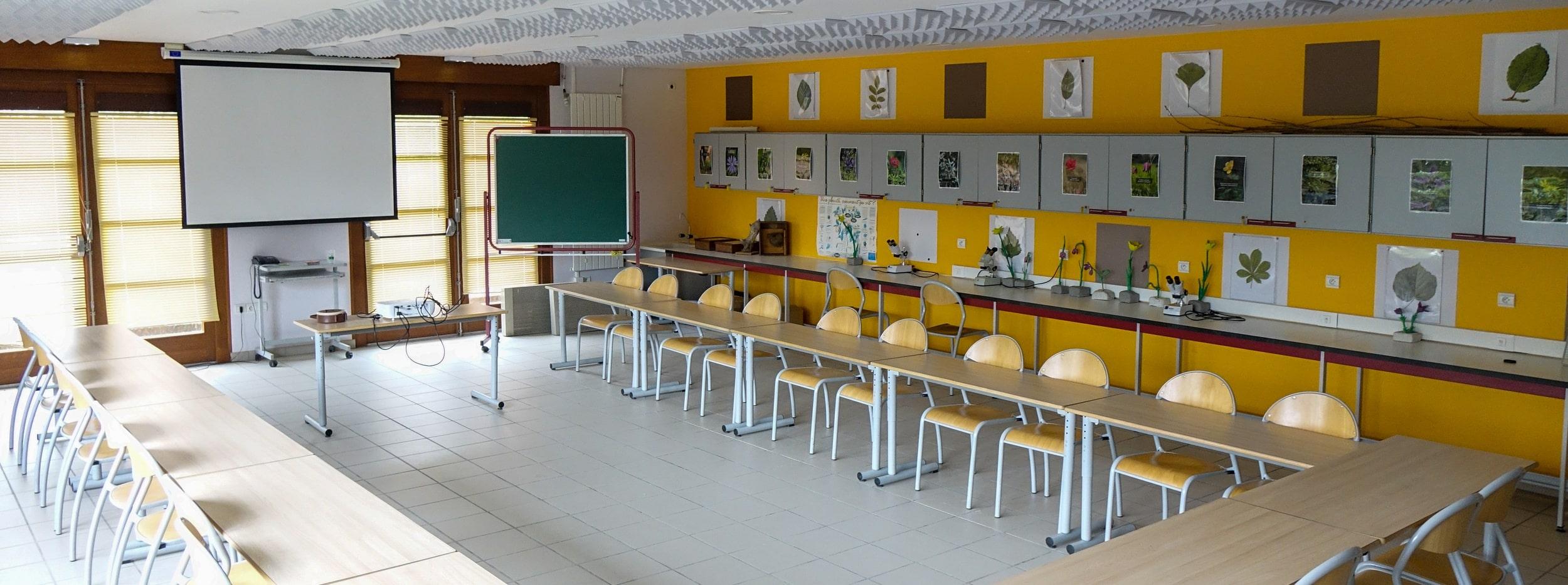 Atelier de botanique du CBNBL, salle de réunion en location - vue centrale